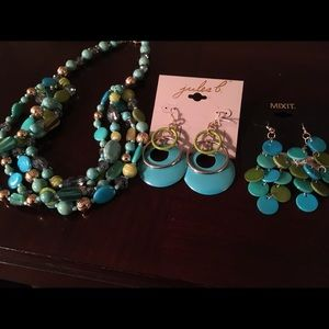 Ear Ring/Necklace Set